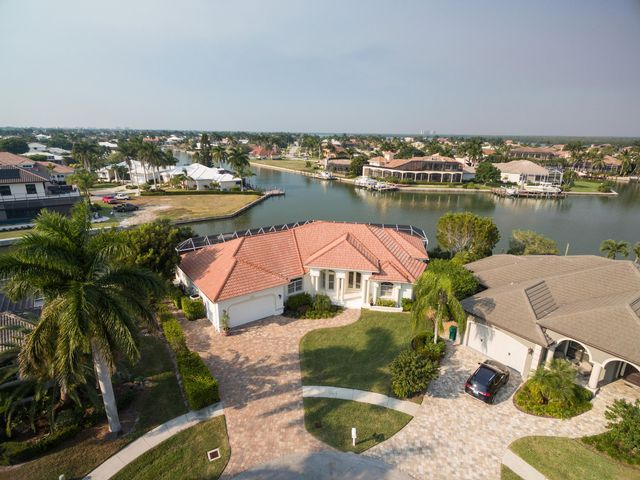 3 BR,  3.00 BTH  Contemporary style home in Marco Island